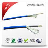 Cable óptico acorazado de fibra del almacenador intermediaro apretado con el miembro de fuerza del hilado de Kevlary