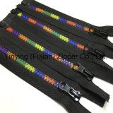 Plástico dos dentes da cor 5#/Zipper do revestimento Zipper da resina