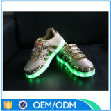 Les chaussures d'hommes de la qualité DEL d'usine de la Chine allument les chaussures occasionnelles