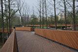 El suelo de bambú al aire libre natural