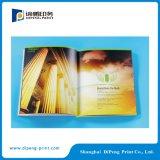 광고 회사를 위한 책을 인쇄하는 고품질