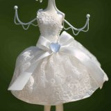 Gifts Jewelry Display Mannequin Necklace Hanging Doll di Polyresin Decoration Girl con White Lace Dress