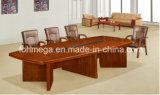 旧式で標準的なクルミの木製のベニヤMDFのメモ帳が付いている円形の会議の席