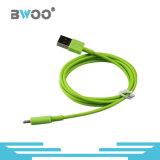 El cable colorido más nuevo del cargador del USB para el teléfono móvil