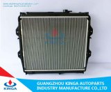 Cooling efficiente Aluminum Auto Radiator Hilux 4X4'02 New Design Silver Colour