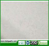 大理石の一見の人工的な水晶石のカウンタートップの平板