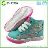 El nuevo descuento del diseño de la alta calidad se divierte los zapatos para los cabritos