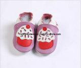 Chaussures de bébé nouveau-nées de petit gosse