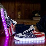 2016 chaussures lumineuses USB de mode d'éclairage LED en cuir de l'unité centrale chargeant des chaussures