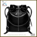 黒人女性PUの革バックパックの方法革ドローストリング袋