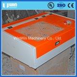 Mini Desktop 40W Máquina de gravura de placa de identificação de corte de papel a laser