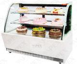 Showcase van de Cake van het Glas van de superieure Kwaliteit de Gebogen met Compressor Embraco