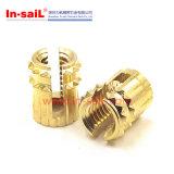 CLの常温圧縮の準備は挿入ナットに細長い穴をつけ通す