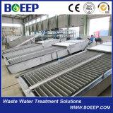 La pista funciona las pantallas de barra mecánicas del dispositivo del tratamiento de aguas de aguas residuales
