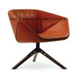 注入の泡の回転式待っている椅子
