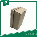 Sapatas do projeto da cor de Brown que empacotam a caixa