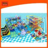 Campo de jogos interno do mundo do mar de Mich com corrediça da filhós