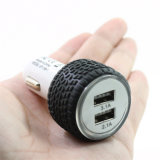 타이어 유형 이중 USB 차 충전기, 차는 이동 전화를 위해 듀얼포트로 안으로 비용을 부과를 폐쇄한다