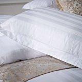 柔らかいタッチのホテルの白いサテンの縞の枕箱の枕カバー100%年の綿