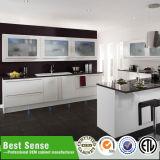 2015暖かい白は現代デザインModuarの台所家具の食器棚をカスタマイズする