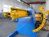 10 tonnellate di Decoiler idraulico automatico ad alta velocità con l'automobile di bobina & il braccio della pressa