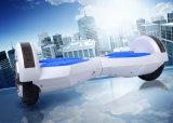 Vente en gros panneau sec de vol plané d'équilibre de 8 pouces avec l'E-Scooter de DEL Bluetooth