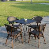 Fábrica de vidro de alumínio da sustentação da cadeira de Textilene da tabela do pátio personalizada (J813)