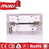 potência elétrica do USB 220V 3 plugues e soquetes da fase