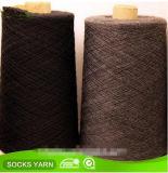 Nm34s Nm40s schwarzes Baumwoll-Polyester gemischtes Garn für strickende Socke