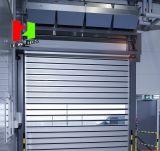 堅い金属が付いている螺線形の高速ドア