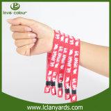 Un bracelet d'identification de bracelet de tissu de temps bon marché