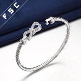 Braccialetti a cristallo del nodo dell'arco placcati argento di rame fortunato per la ragazza