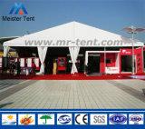 Grande tenda esterna della tenda foranea con moquette per la festa nuziale