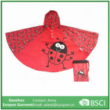 Raincoats elegantes e Ponchos das crianças