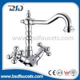O Faucet do dissipador de Tradtional do revestimento do cromo do banheiro de bronze Dual misturador dos punhos