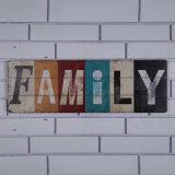 """De houten Plaques die van de Muur van de """" Familie """" van Brieven Houten Kunst voor het Binnenland van de Huisvesting hangen"""