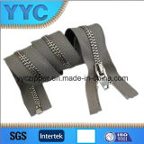 Y-Zahn-Goldschweber-Metallreißverschluß für Kleid