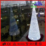 Feiertag helles H: 5m Outdoor Lighted Metal Christmas Tree Garten Decoration