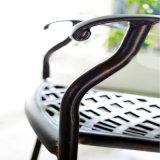 適正価格の長続きがする鋳造アルミの屋外のテラスの家具の黒の椅子