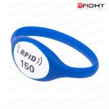 L'agrafe Ntag213 attachent l'indicateur de clé de relief par Silkscreen de Wristband du Wristband RFID pour le contrôle d'accès
