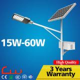 Alta luz de calle solar de los lúmenes 30W 60W LED con poste