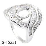 De zilveren Ringen van CZ van Juwelen zonder de Steen van het Centrum