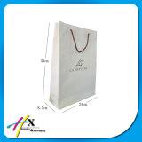 Bolsas de papel reutilizables blancas de encargo prácticas de Kraft para la ropa