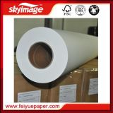 52inch 1.32mのジャンボロールの昇華転写紙は高速印書装置によって非カールする
