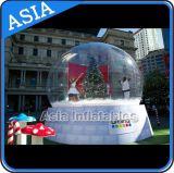 Globe de neige de Noël gonflable humain géant avec une belle toile de fond pour la décoration et la promotion du mariage
