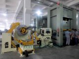 Alimentador automático da folha da bobina com uso do Straightener na máquina da imprensa e na máquina-instrumento