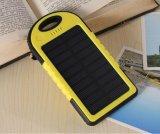 Le côté 4000mAh d'énergie solaire avec le crochet conjuguent trousseau de clés d'USB pour des sports en plein air