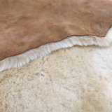 Scuff dos homens dobro clássicos da pele de carneiro na castanha