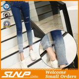Neue Form-Frauen-hohe Taillen-Jean-Hosen mit Loch