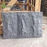 Revêtement en gros de mur en pierre de champignon de couche de granit de noir du sésame G654